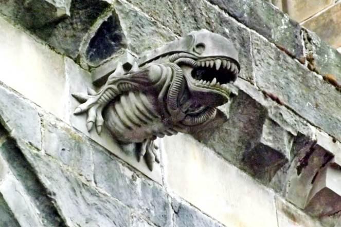 Paisley Abbey Alien grotesque