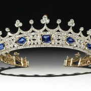 Diamond and sapphire tiara originally belonging to Queen Victoria. Photo from winterantiquesshow.com.
