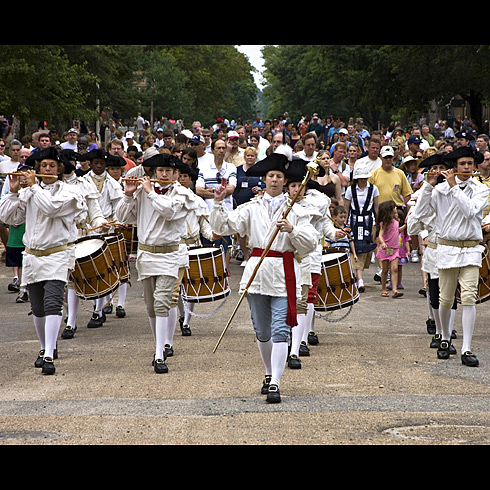 I have a fond memory of running down Duke of Gloucester behind the Fifes and Drums Corps as a little girl.  Photo from The Colonial Williamsbug Foundation (history.org).