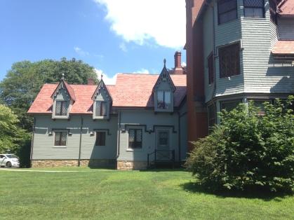Kingscote exterior 1