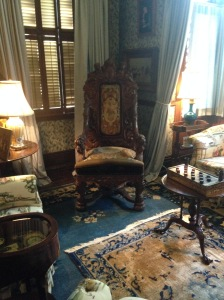 Kingscote sitting room