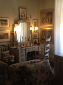 Kingscote bedroom 2