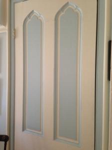 Kingscote door