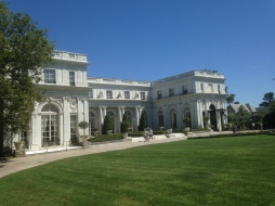 Rosecliff front facade