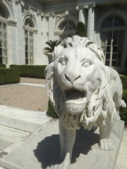 Rosecliff lion