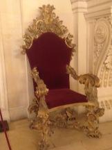 Breakers throne