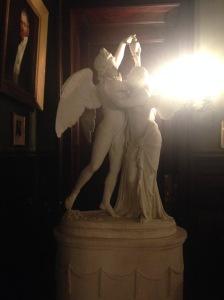 Chateau-sur-Mer statue 2