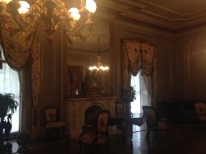 Chateau-sur-Mer ballroom 1