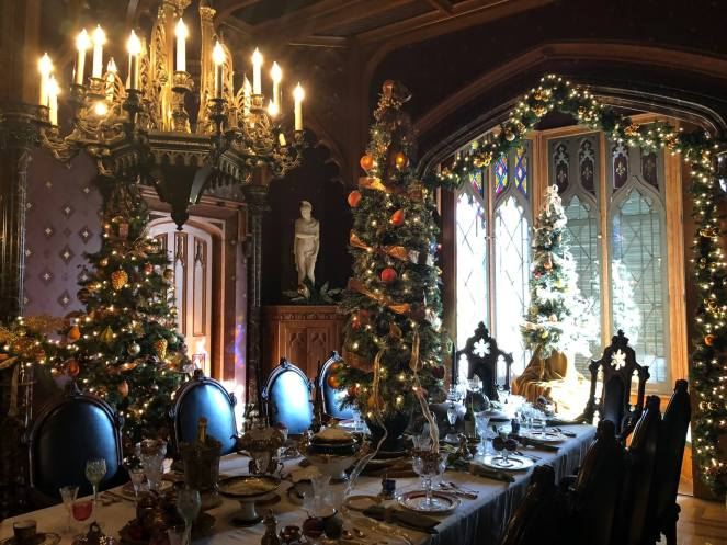 Lyndhurst at Christmas dining room