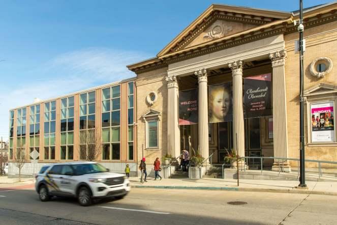 REMBRANDT REVEALED Museum exterior 3(1)